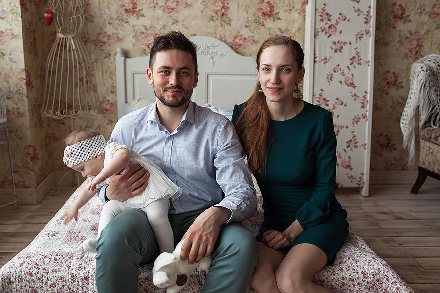Дима и Аня с доченькой