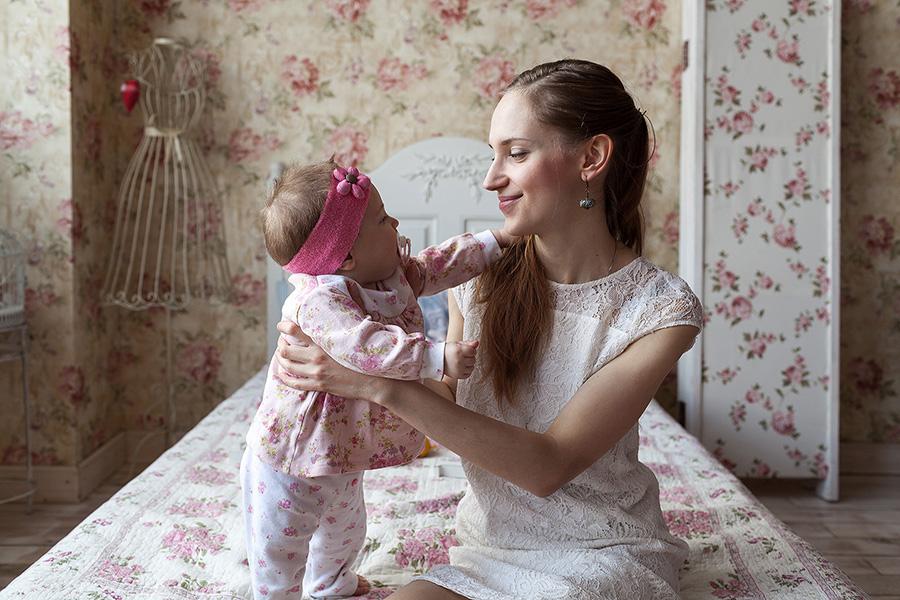 мама с ребенком на фотосессии