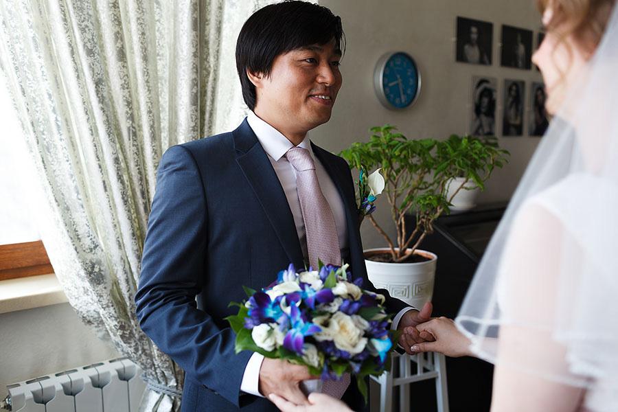 Жених увидел невесту