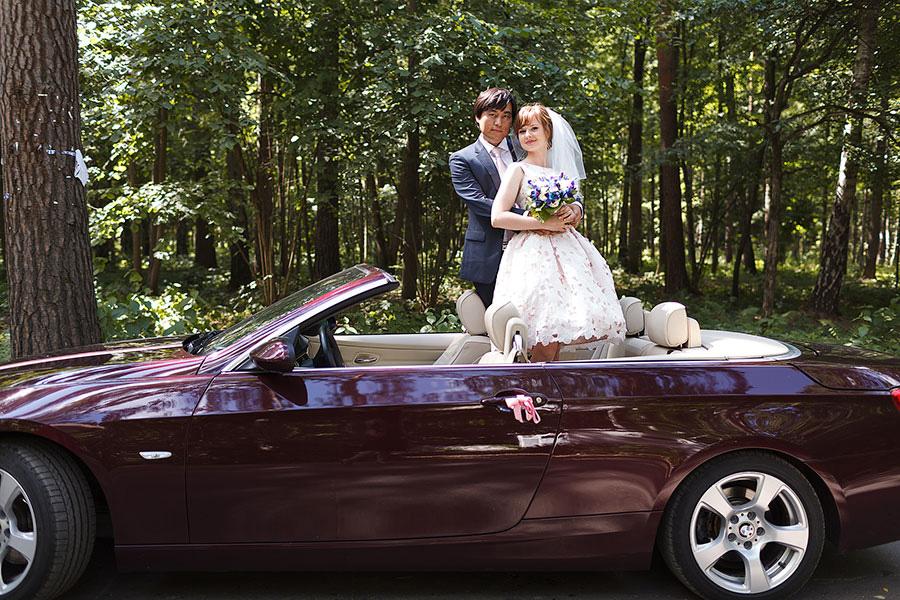 Красный свадебный кабриолет