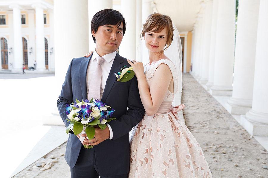 Жених и невеста в усадьбе Архангельское