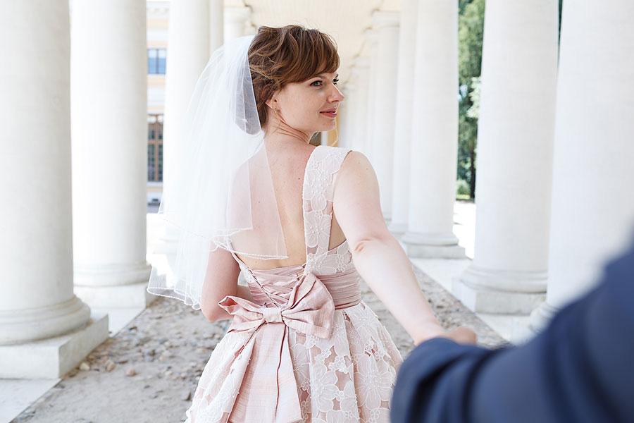 Следуй за мной говорит невеста