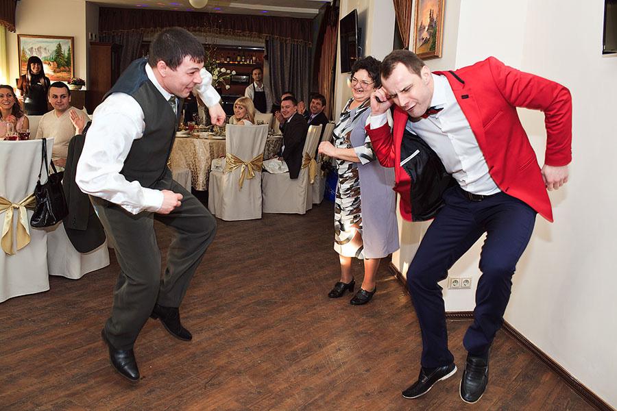 Ведущие на свадьбу Сергей и Максим