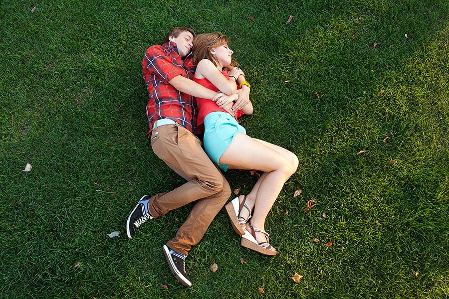 Влюбленные в парке